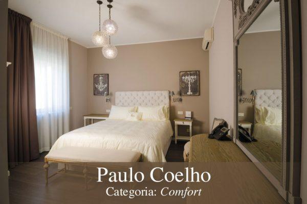 camera Paulo Coelho