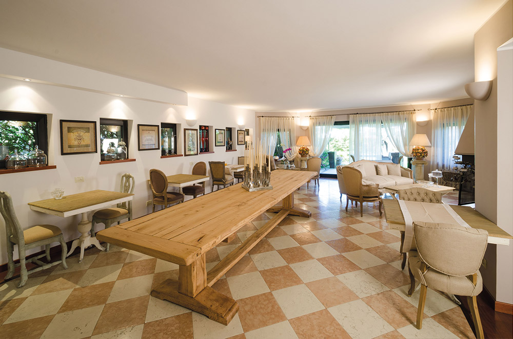 Tavolo in soggiorno